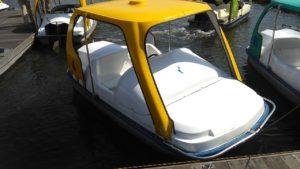 昭和記念公園の足こぎボート