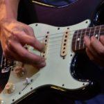 ガンズ・アンド・ローゼズの泣きギターソロが聞ける名曲3つ
